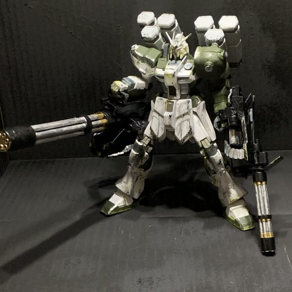 量産型Hiガンダムジオン軍改修機