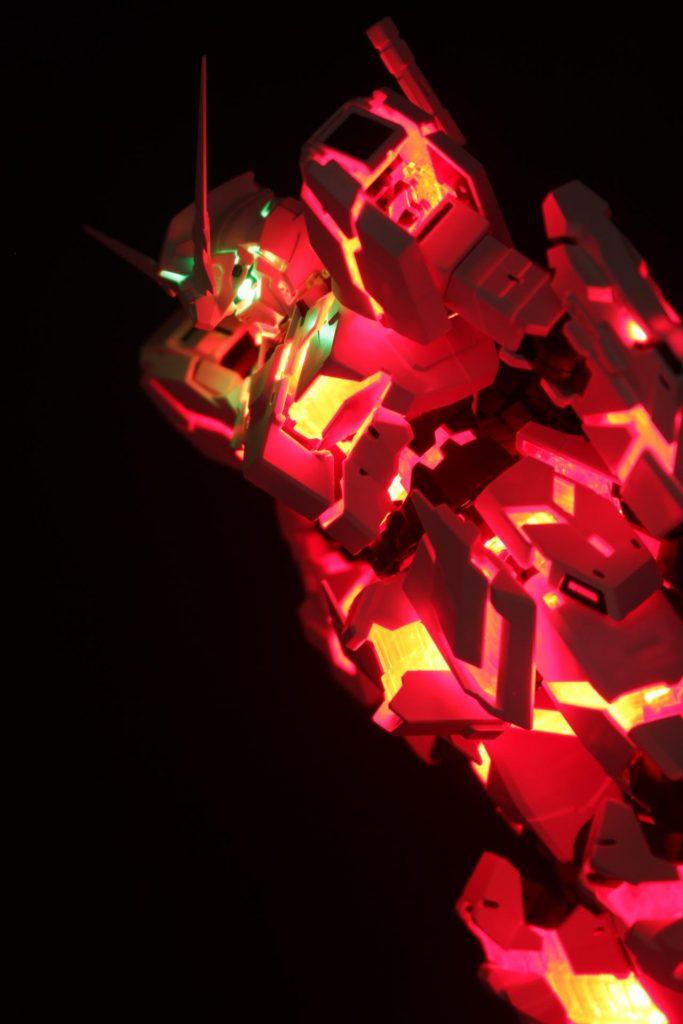 MGEX 1/100 ユニコーンガンダム Ver.Ka 素組 サイコフレーム発光
