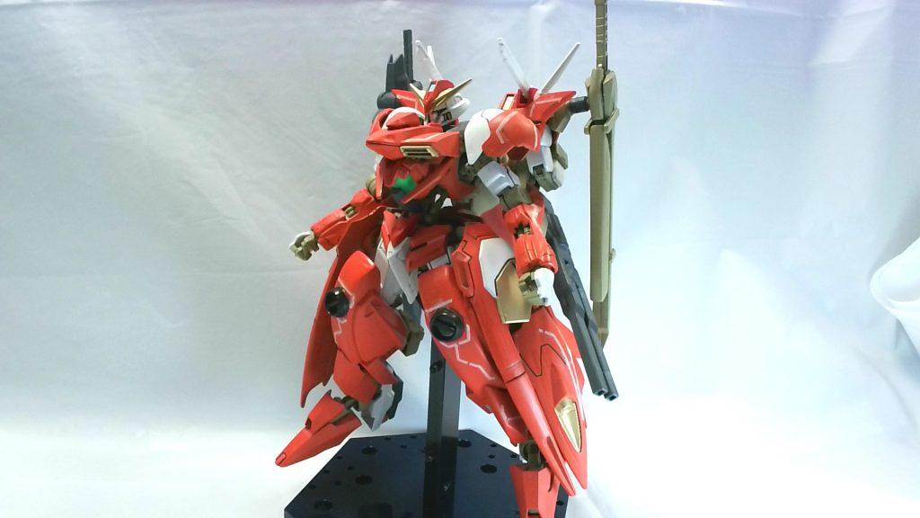 スローネドゥーエガンダム  Throne deux Gundam