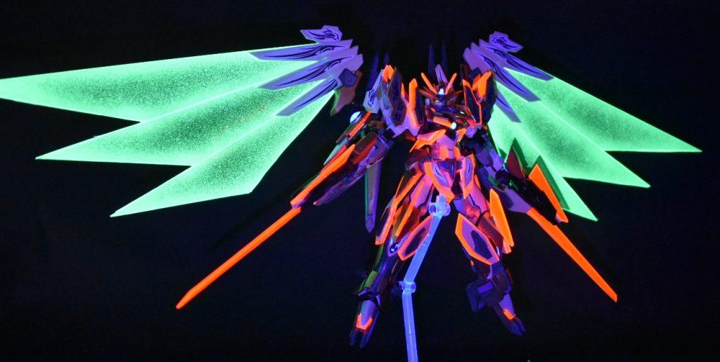 HG リボーンズガンダム 改造 蛍光塗料で遊ぼう