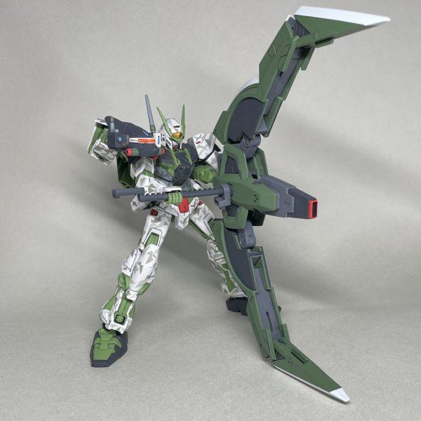 1/144 HGガンダムアストレイグリーンフレームNEXT(迷彩ver.)タクティカルアームズZ装備