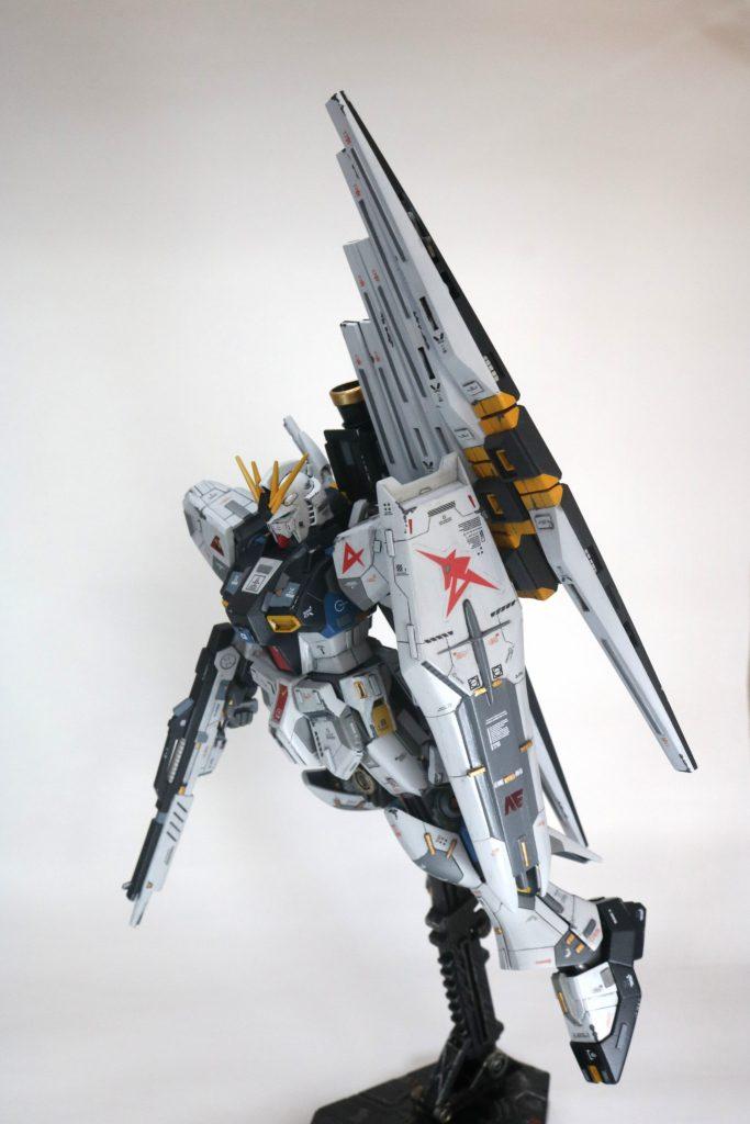 HGUC RX-93 νガンダム