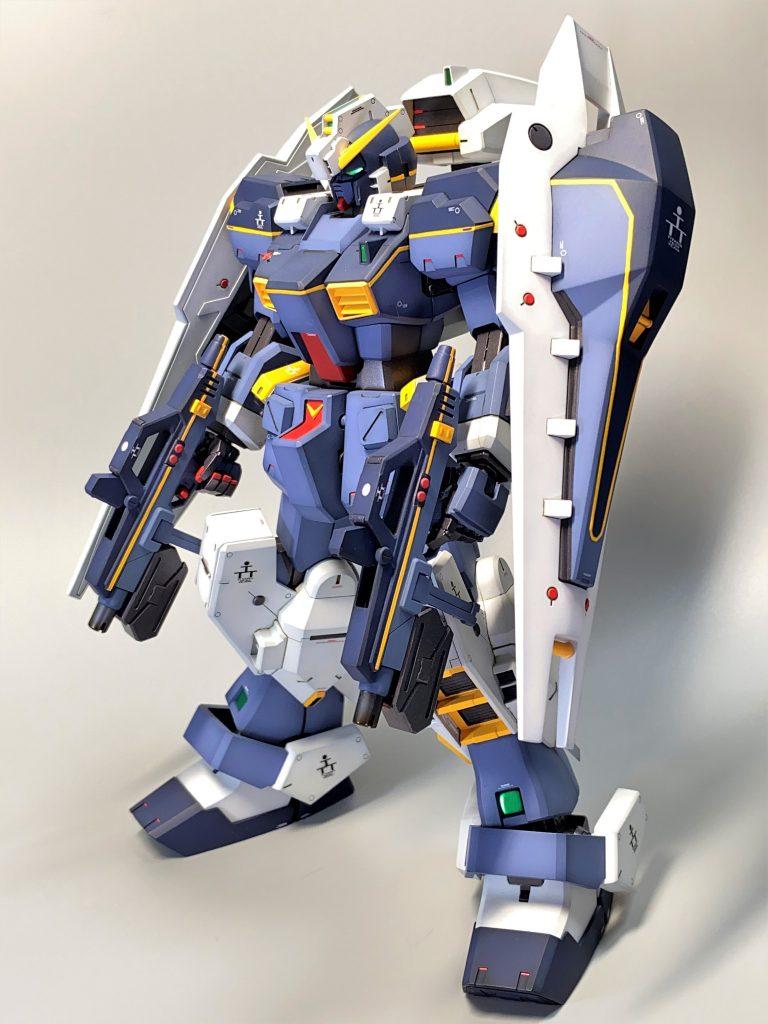 ガンダムTR-1[ヘイズル] 1号機 強襲形態