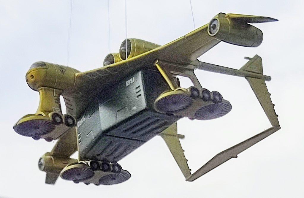 ミデア 地球連邦軍輸送機(オマケにドム付きジオラマ)